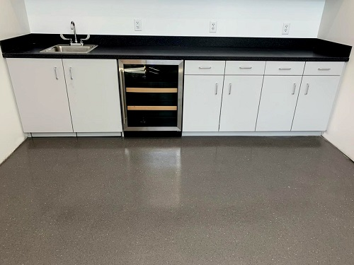 Stoncrete EFX Downtown Gray Mirror Aggregate SK-6GT Semi-Matte Breakroom.jpg